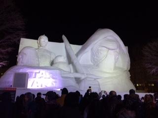 ◆さっぽろ雪まつり◆冬の風物詩、雪まつり大通会場は大勢の人で賑わっていました